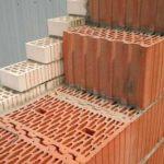 стена из керамических блоков