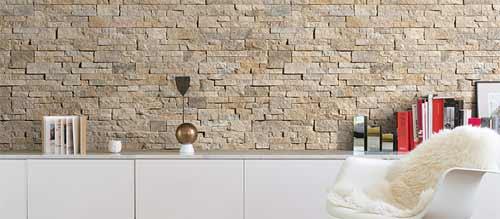 стена облицованная декоративным камнем