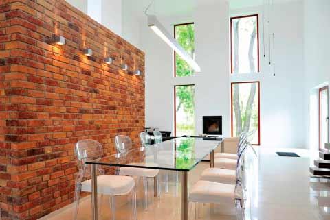 стена отделанная клинкерной плиткой