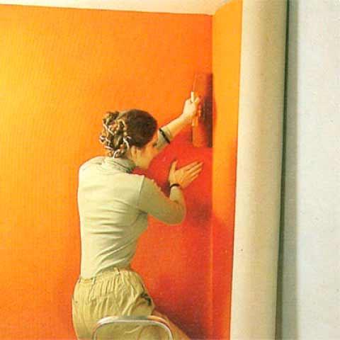 наклеивание ткани на стену