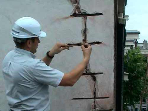 армирование трещины стальными скобами