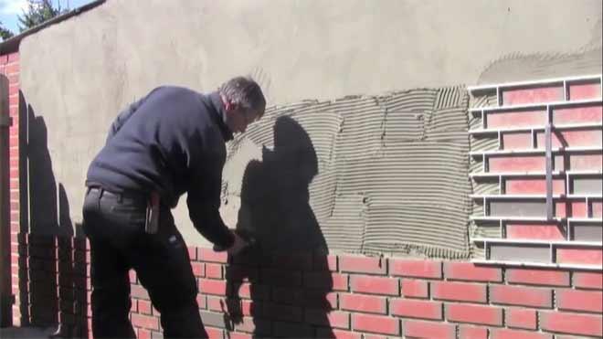 фасад из клинкерной плитки под кирпич