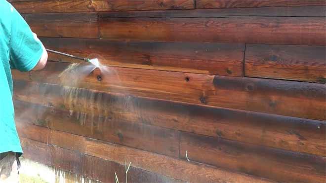 очистка деревянного дома
