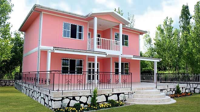 покрашенный дом из газабетона