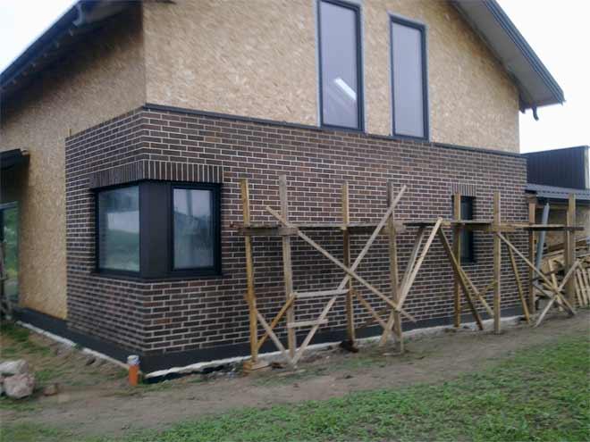 отделка деревянного дома снаружи клинкерной плиткой