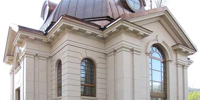 фасад из известняка