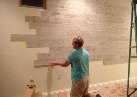 наклеивание деревянных панелей