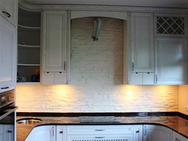 Кухонная панель из камня