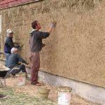 Оштукатуривание деревянного дома и поверхностей
