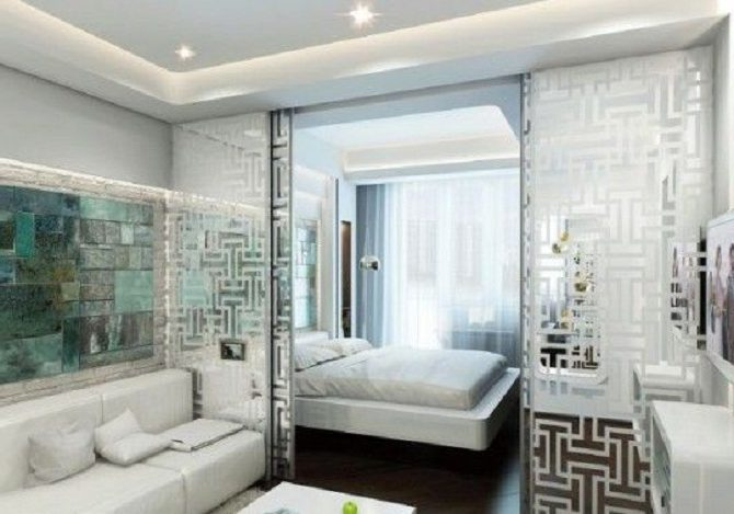 Стеклянные панели в спальне