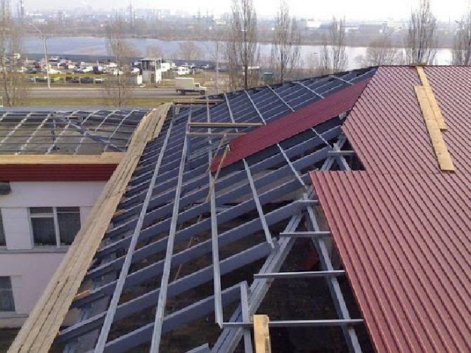 Отделка крыши профнастилом