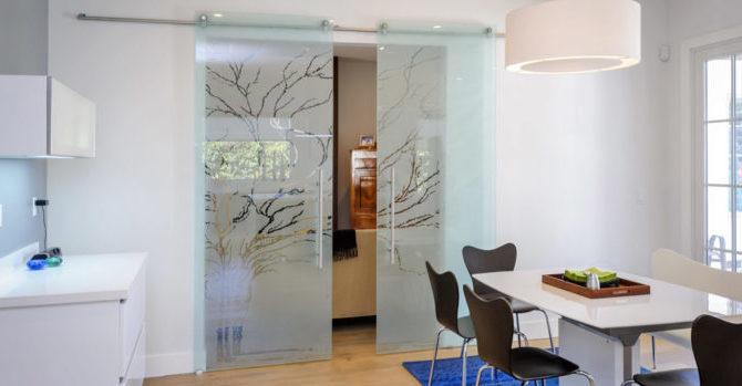 стеклянные перегородки на кухне
