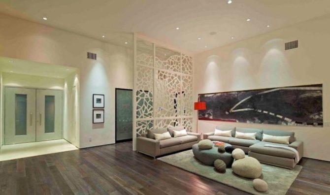 стеклянные стенки в гостинной