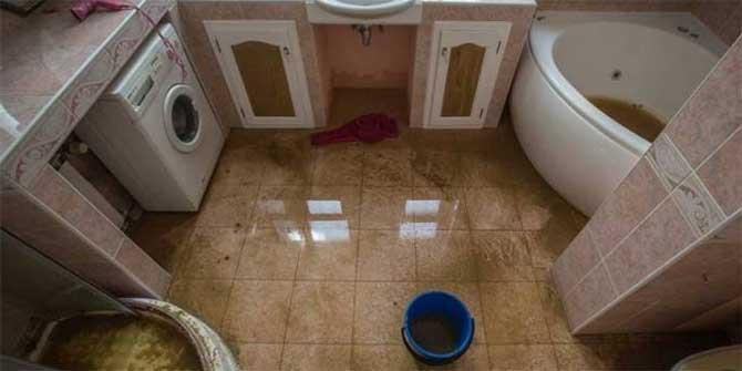затопленная ванная комната