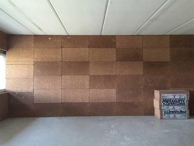 шумоизоляция стены пробковыми панелями